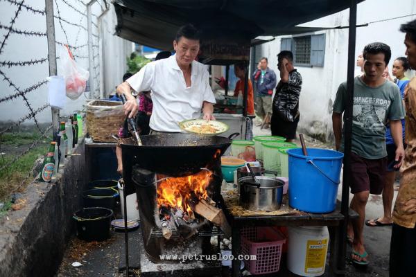 mie goreng, mie goyang, mie kidal, kuliner legenda, kuliner legenda siantar, legenda kuliner, tahu lontong, tahu goreng